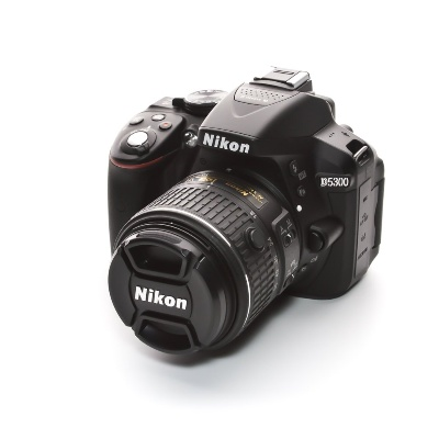 Nikon D5300 18-55mm VR II Kit (24.78Mpx, APS-C / DX)