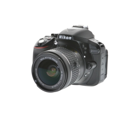 Nikon D5300 AF-P 18-55mm VR Kit (24.8MP, 6FPS, GPS, WLAN)