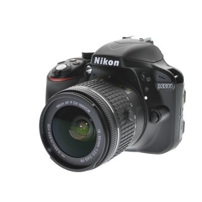 Nikon D3300, AF-P 18-55mm VR Kit (24.20MP, 5FPS)