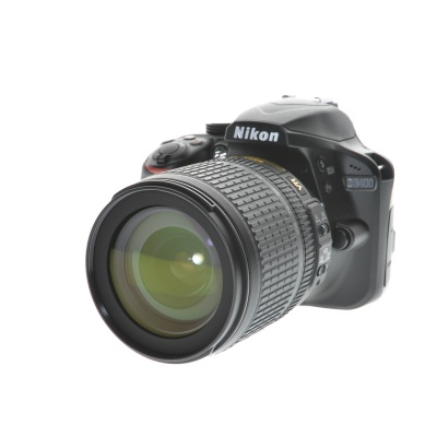 Nikon D3400, AF-S 18-105mm Kit (24.2MP, 5FPS)