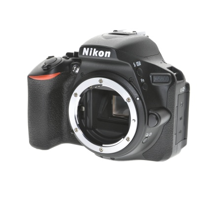 Nikon D5600 Body (24.20MP, 5FPS, Wi-Fi)