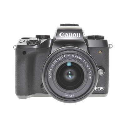 Canon EOS M5  (15 - 45 mm, 24.20Mpx, 7FPS, WiFi)