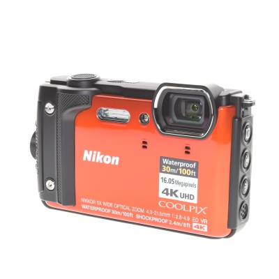 Nikon Coolpix W300 (16MP, GPS, Wi-Fi)